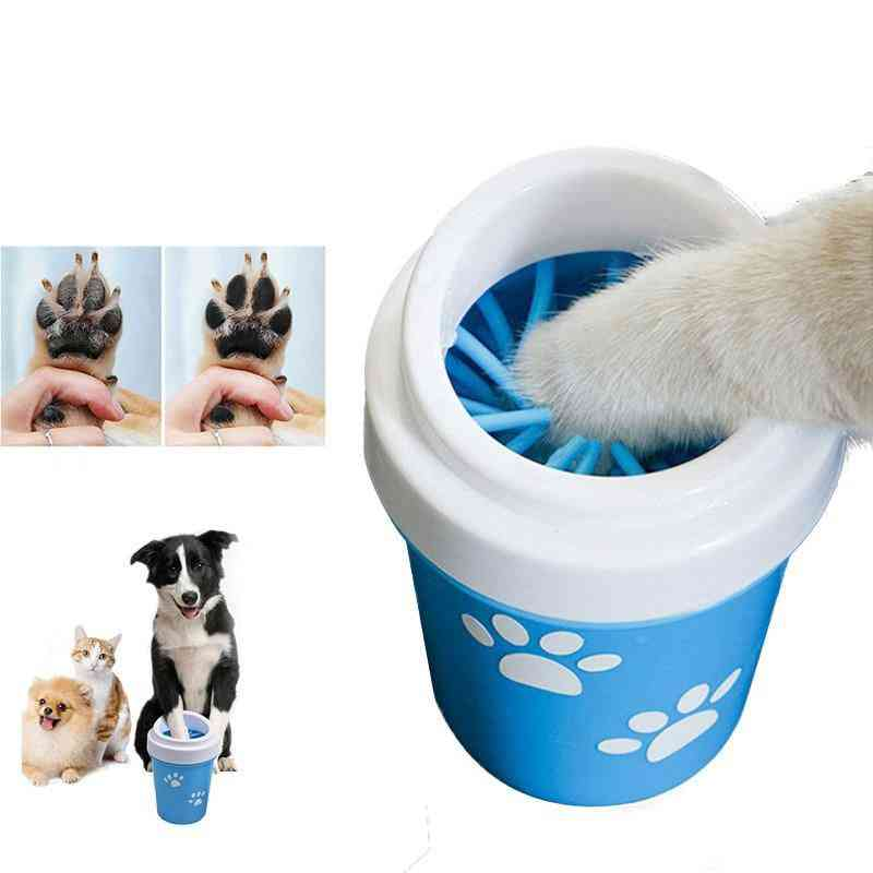 Portable Pets Paw Cleaner Cup With Soft Silicon Brush