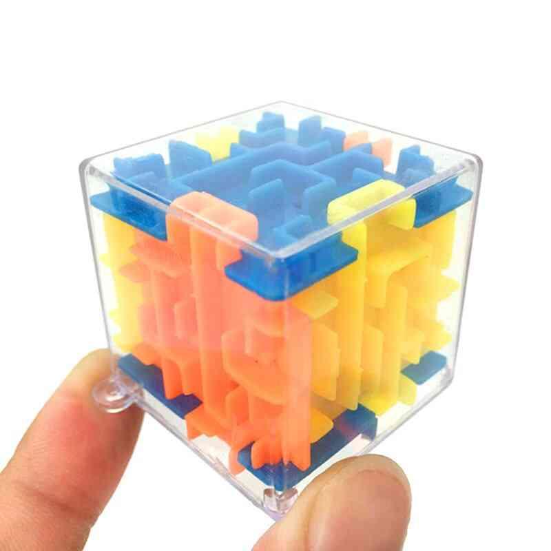 Plastic Mini 3d Cubes-labyrinth Puzzle Game