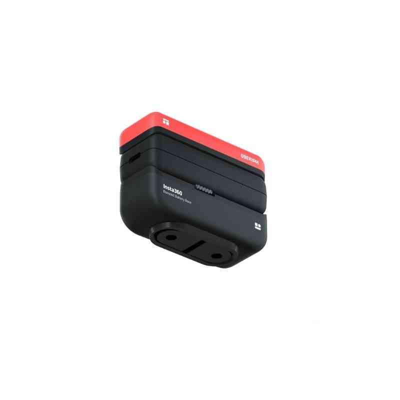 Fast Charge Hub And Battery Base For One R