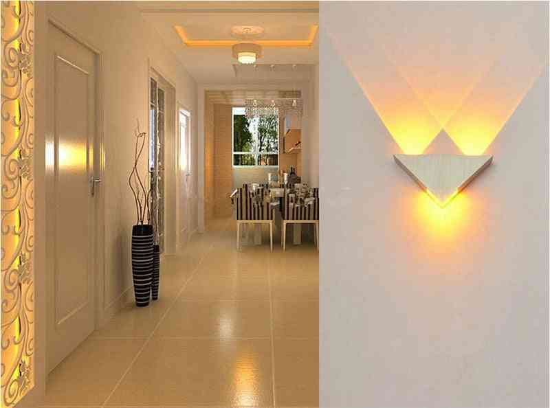 Modern Triangle Shape Aluminum Body Led Wall Lamp