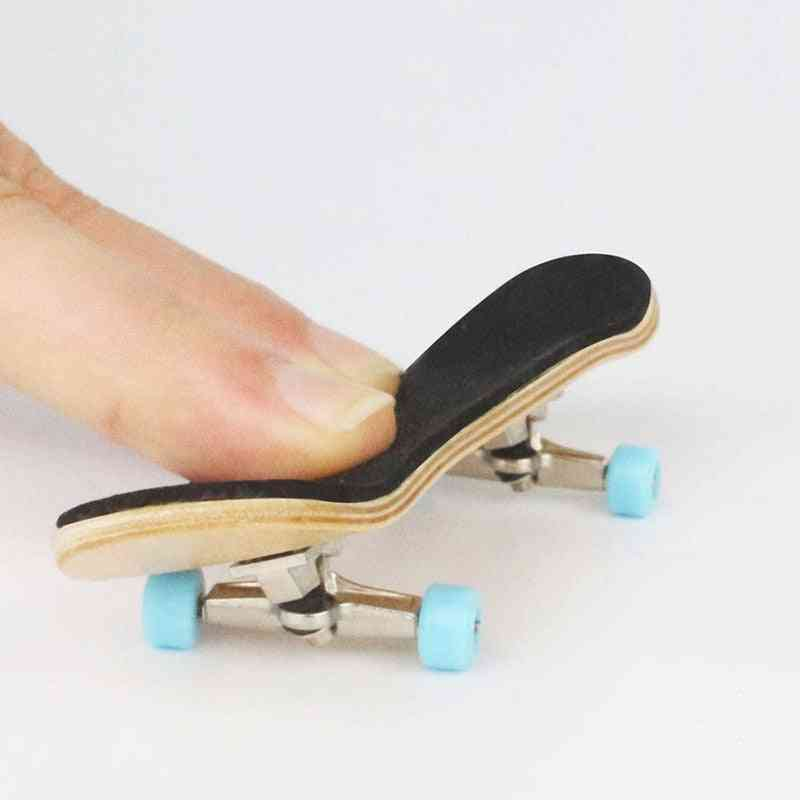 Wooden Fingerboard  Skateboard Toy With Bearings Professional Stents