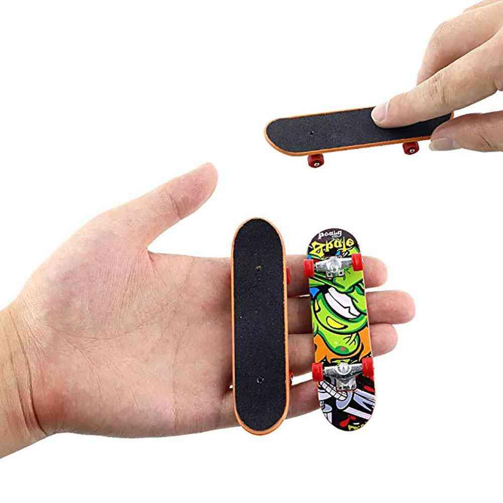 Mini Fingerboard - Finger Scooter Skate Boarding Game Toy