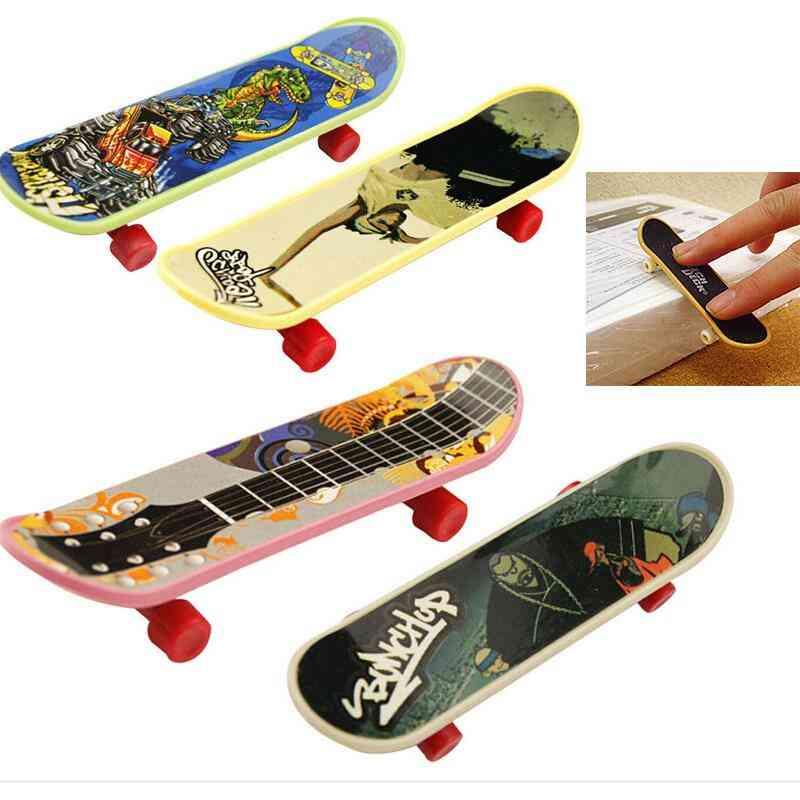 Cute  Mini Finger Skate Board