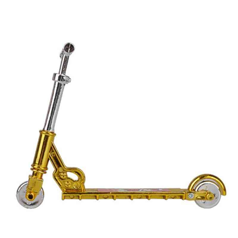 Two Wheel Mini Scooter Skateboard For