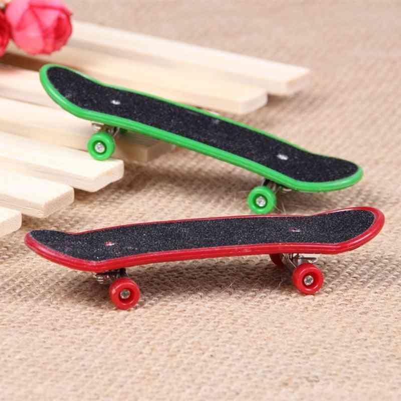 Professional Type Mini Finger Skateboard