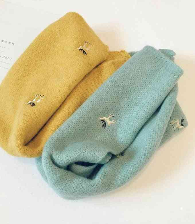 Embroidery Deer Knitted Shawl