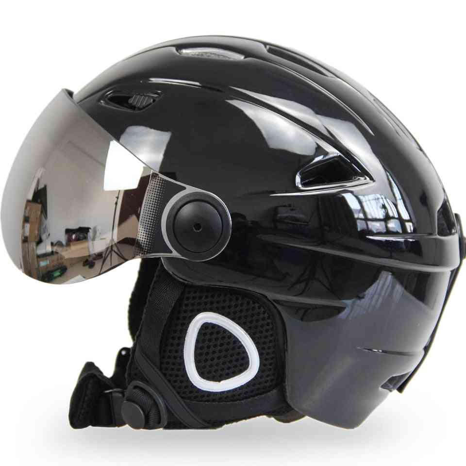 Man/woman Outdoor Sports Skiing Helmets With Attached Goggles
