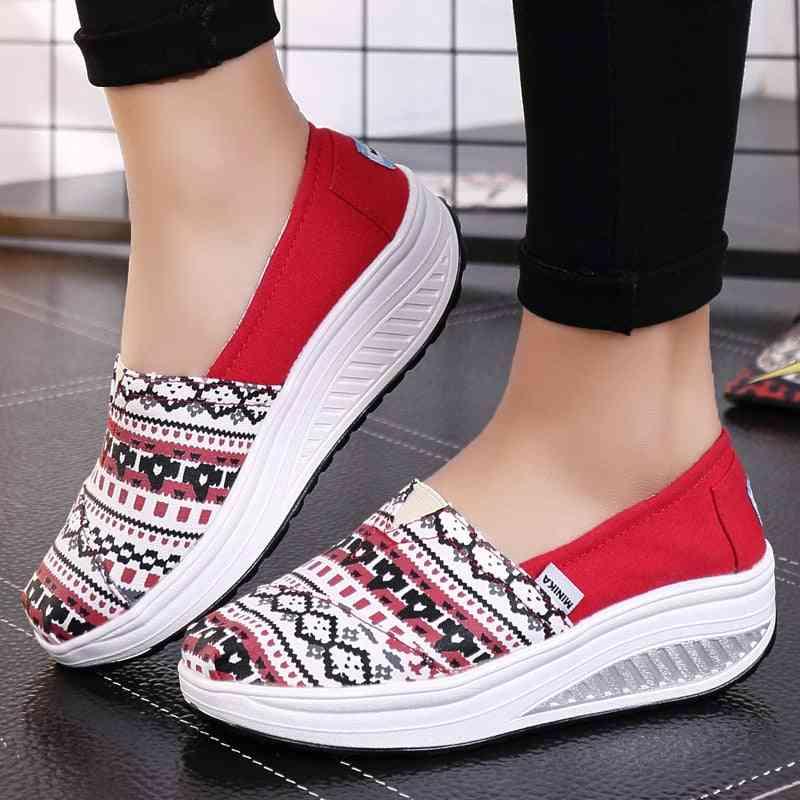 Women's Slip On  Walking Shoes