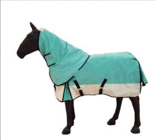 Removable, Windproof And Water Resistant Warm Horse Cloth
