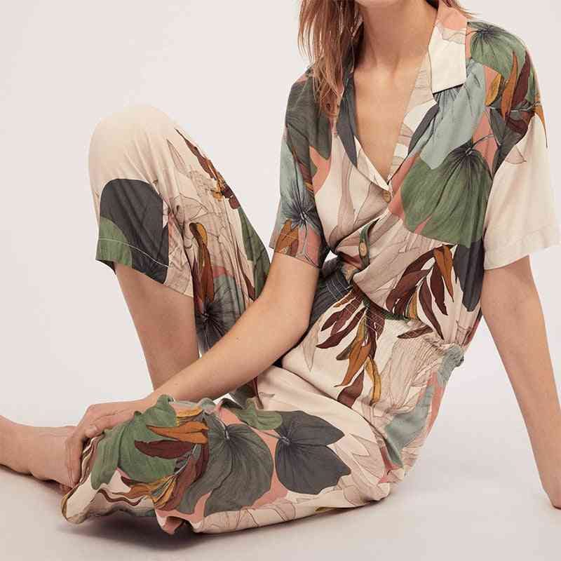 Women's Short-sleeve Cropped Trousers Pajamas Set With Leaves Printing