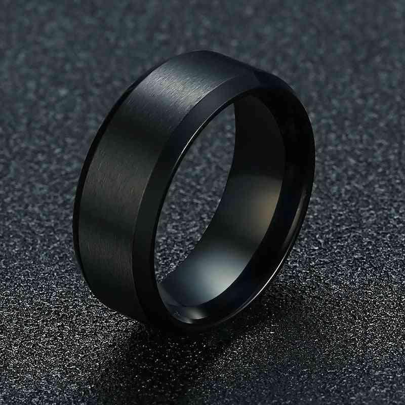 男性のための新しいファッション8mmクラシックリング男性のステンレス鋼の宝石類の結婚式