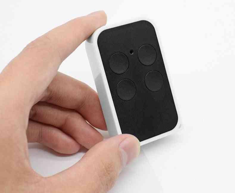 Multi-frequenc Remote Contro