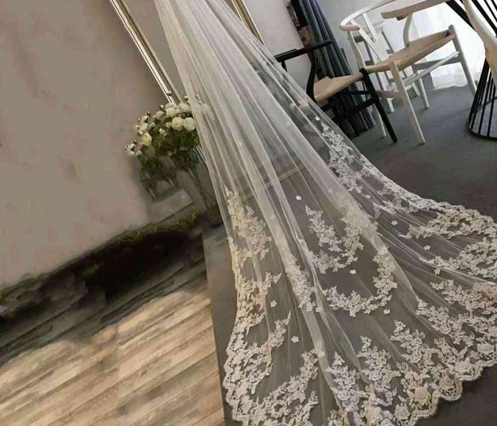 Long-lace Edge, Bridal Veil With Comb Bridal Accessories