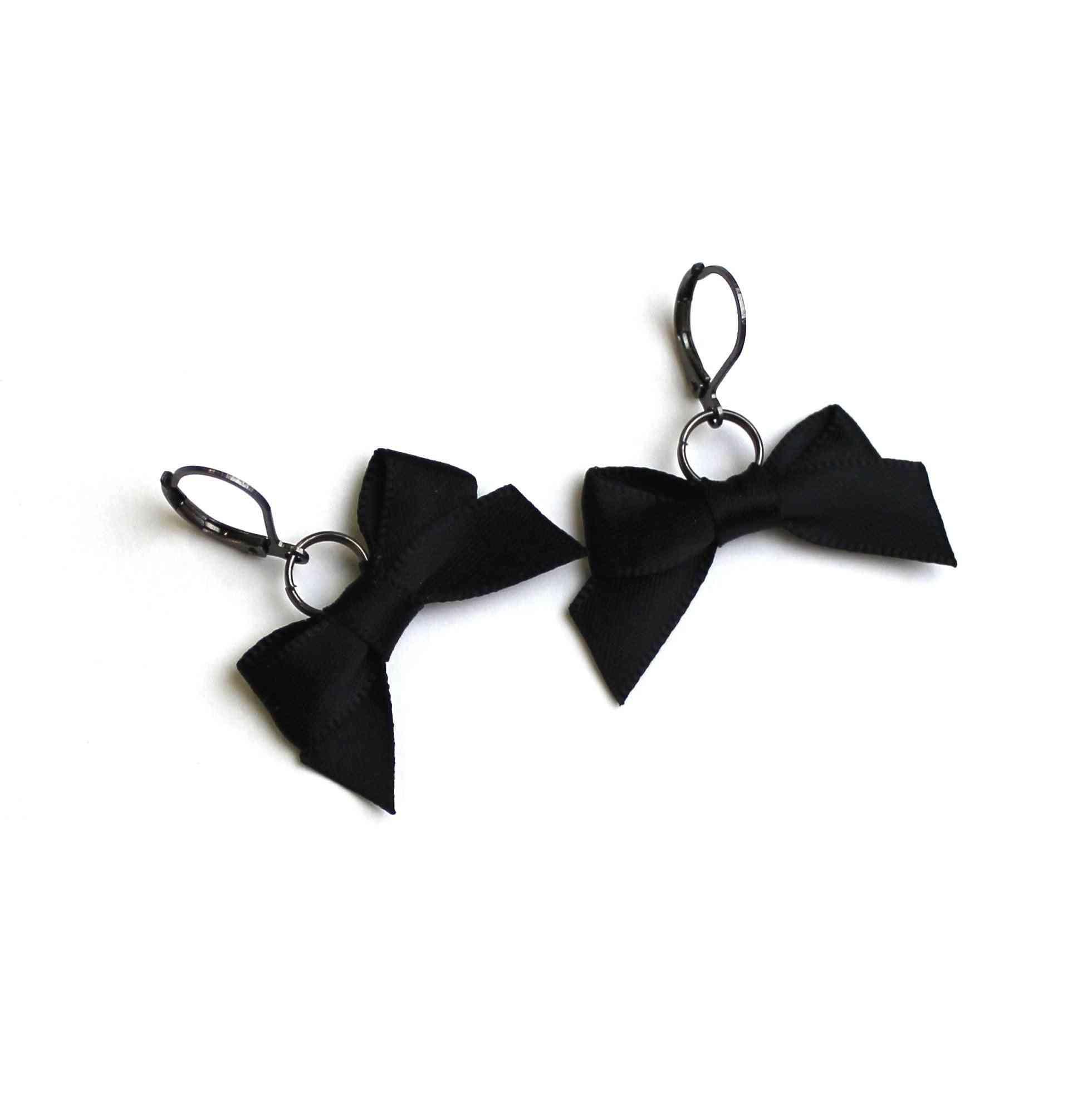 Bow Earings