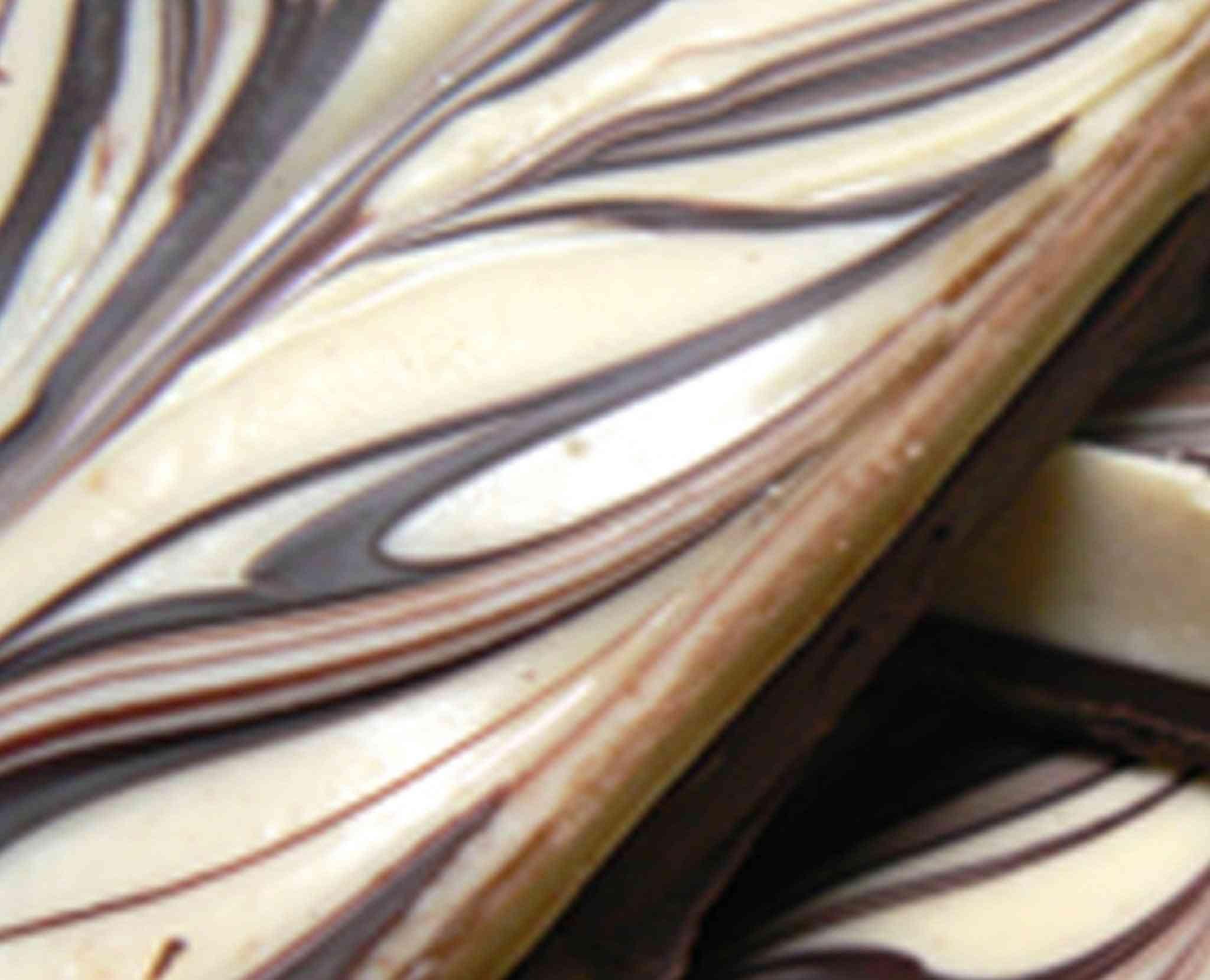 Tiger Bark White And Dark Chocolate
