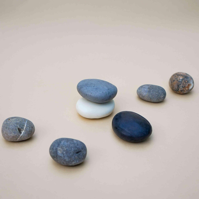 Handmade Pebble Shape Soaps In Natural Plain Colour