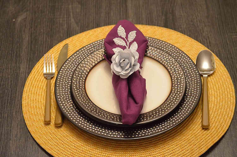 White Rose Set Of 8 Napkin Rings
