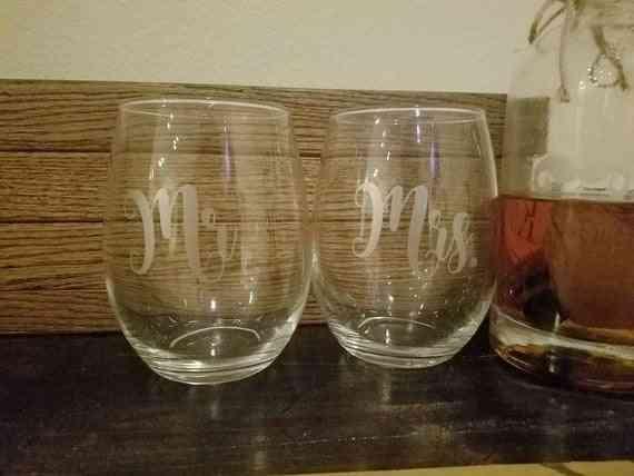 Set Of Mr. And Mrs. Wine Glass
