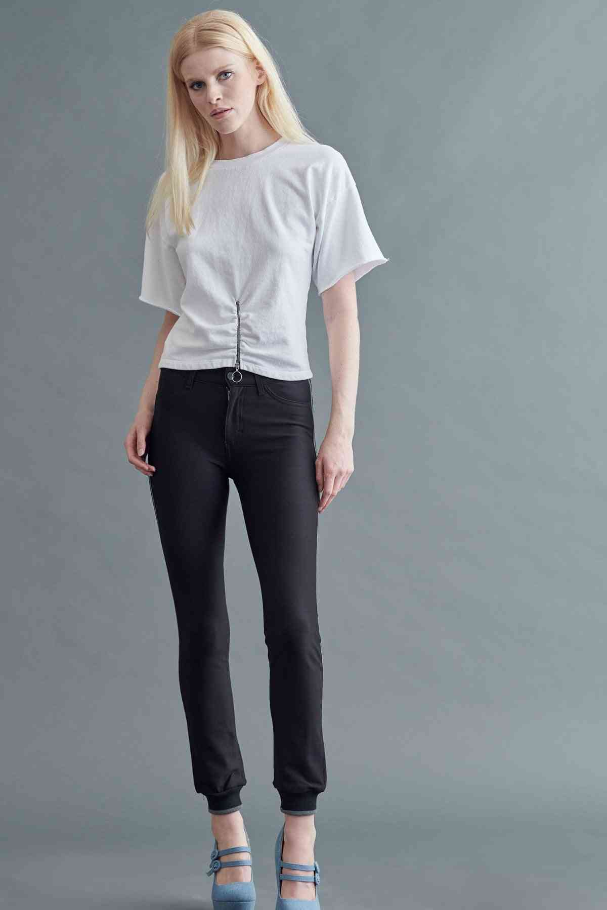 Mid Rise Straight Pant