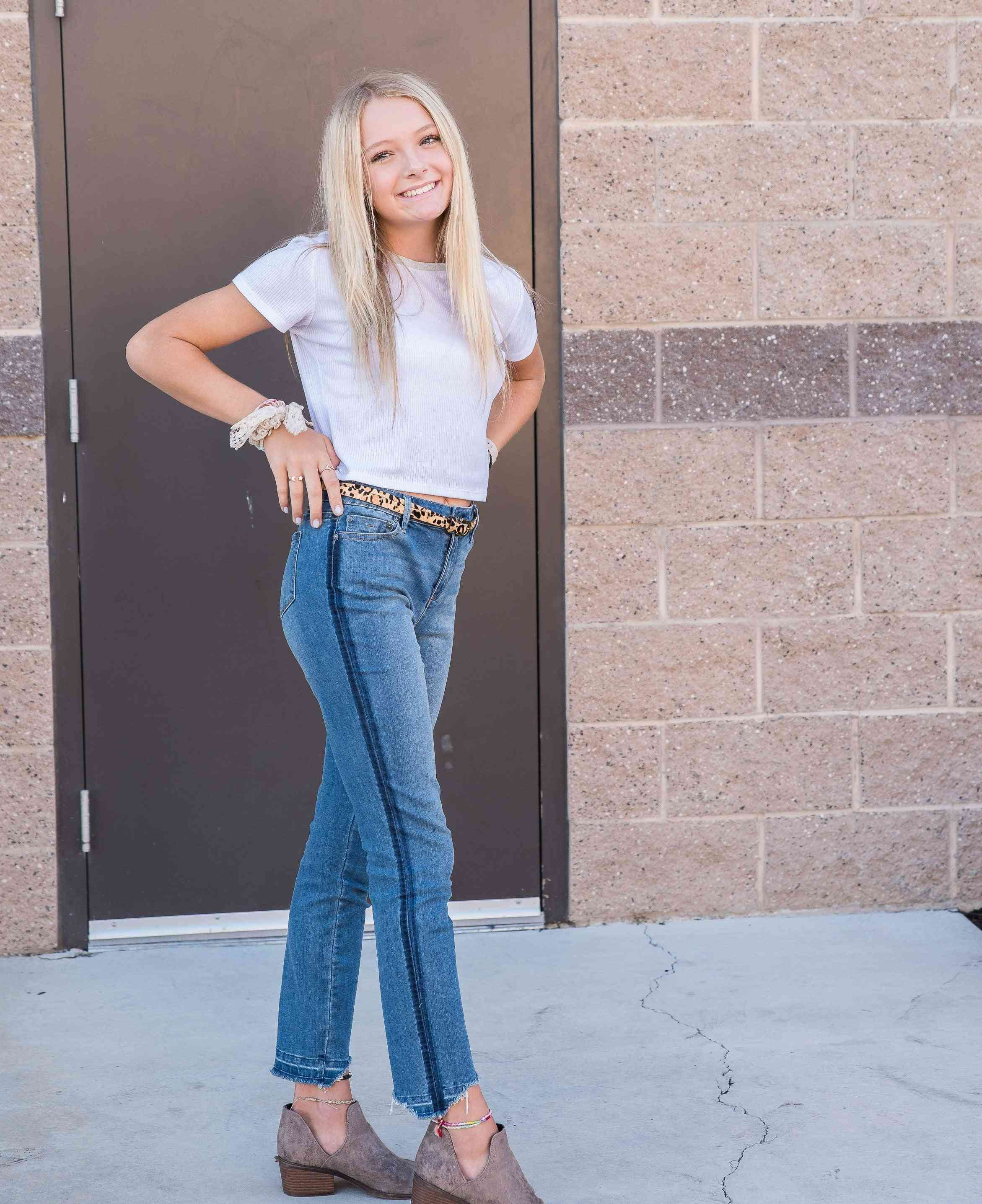 Skinny Jeans With High Rise And Side Stripes