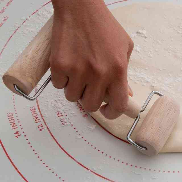 Perfect Pizza Rolling Mat