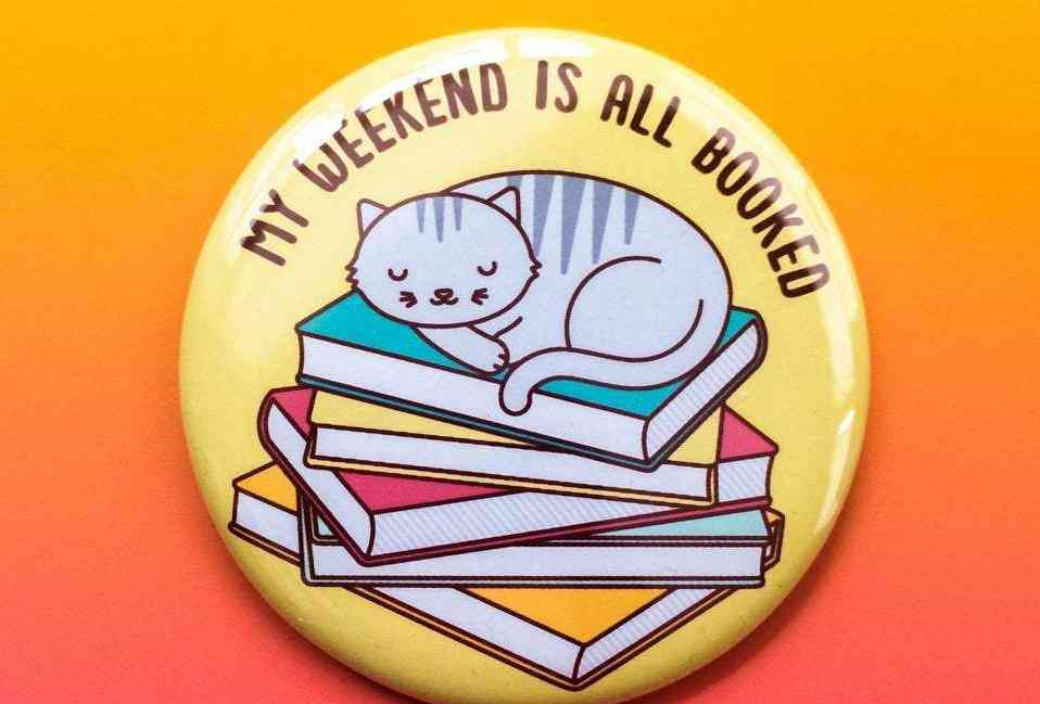 Funny Cat Reading Button Pin Or Magnet