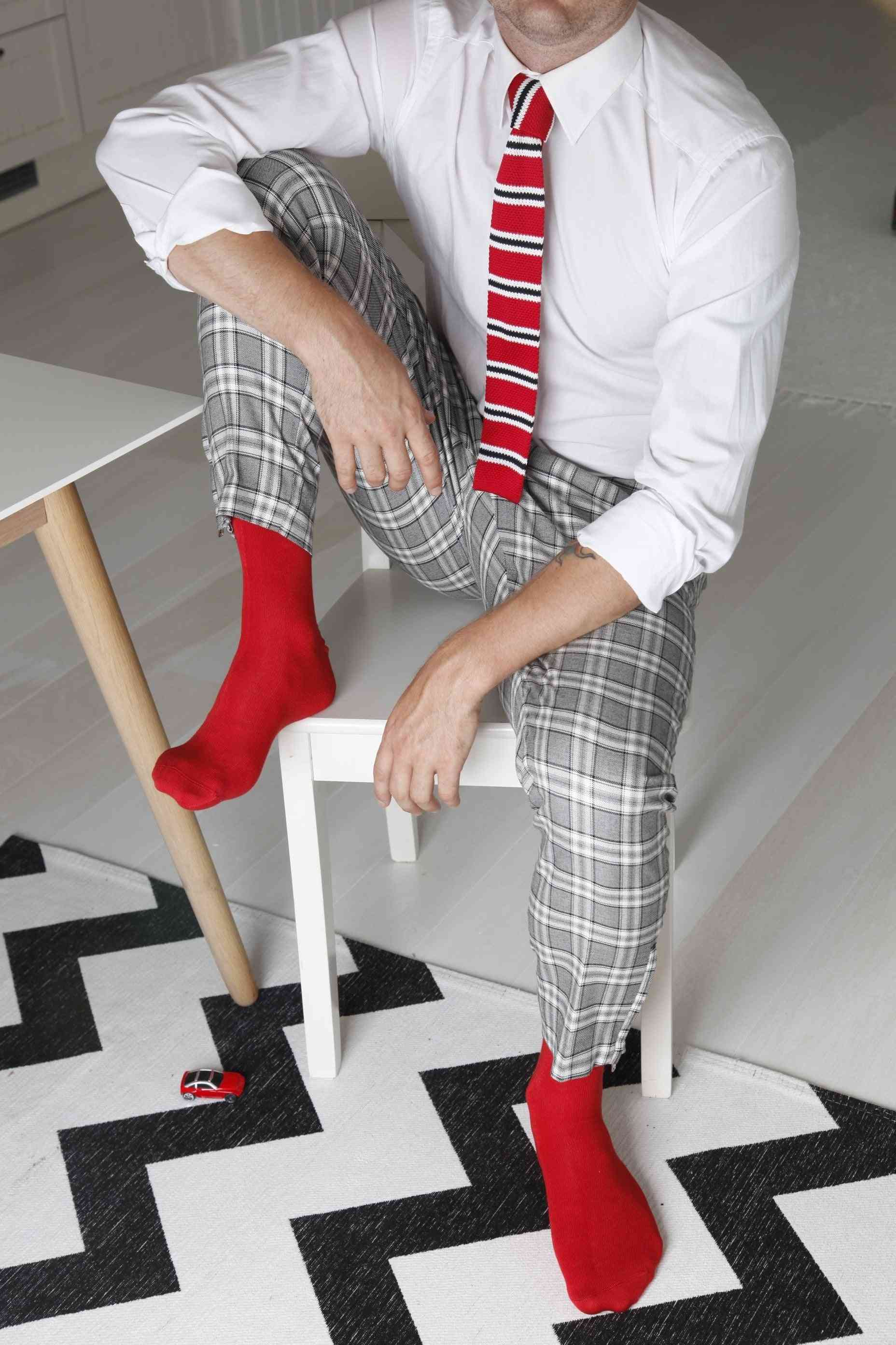 Men's Viscose Socks And Knitted Tie