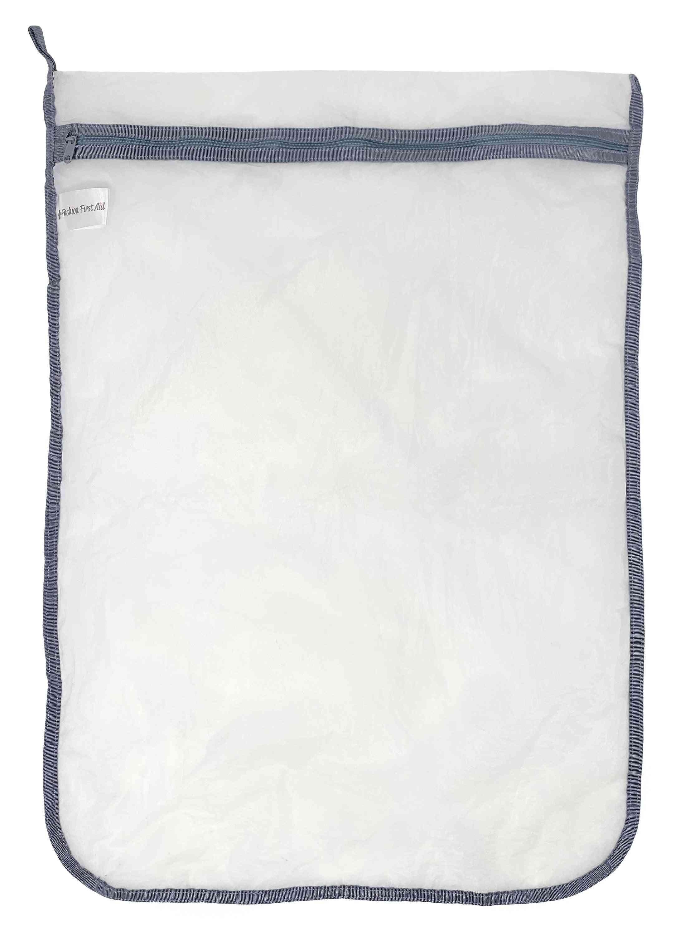 Delicates Defender: Microplastic Catching Laundry Wash Bag (large)