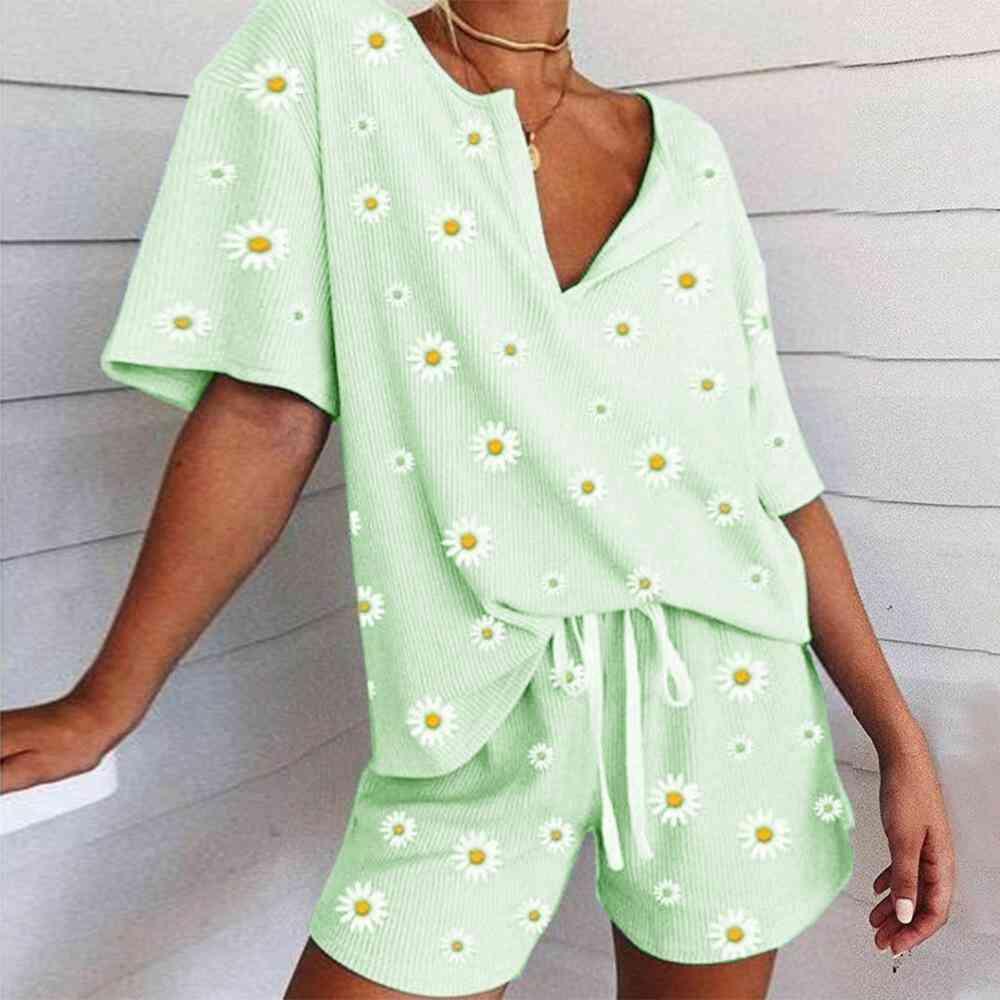 Women V Neck, Floral Print, Short Sleeve Top Shirt And Shorts Set