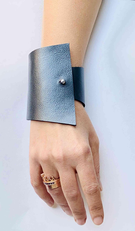 Handcrafted Italian Leather Bracelet-envy- Emerald Green