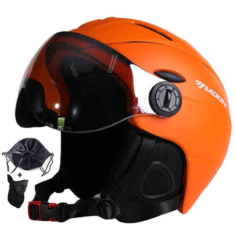 Goggles Skiing Helmet Integrally-molded