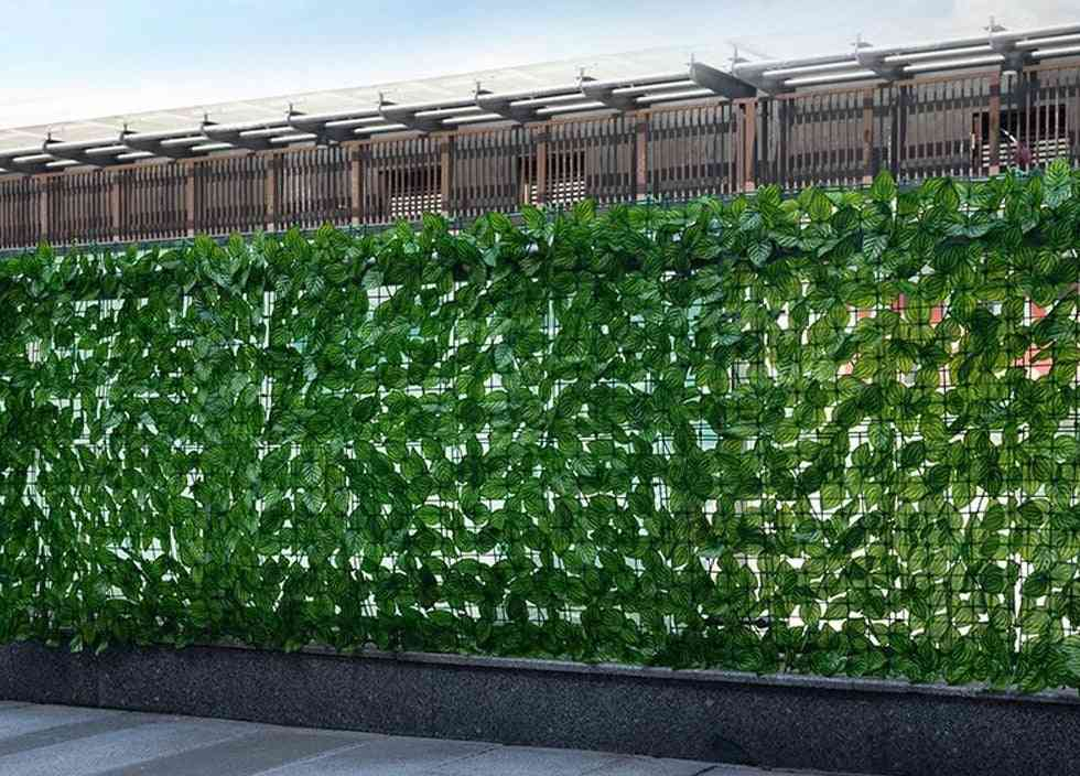 Retractable Artificial Garden Fence