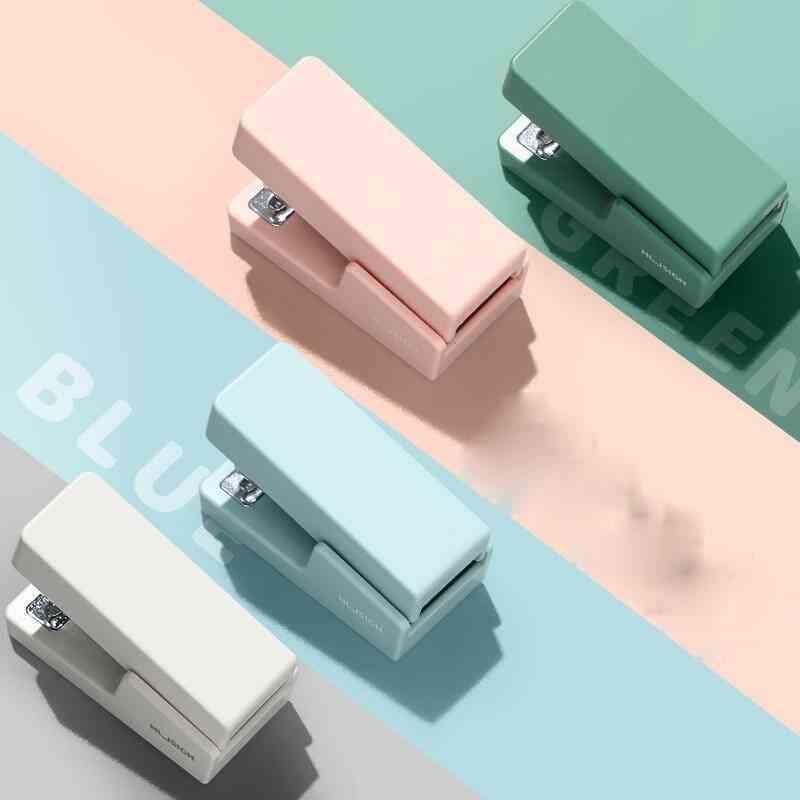 Portable Mini Stapler Set With 640pcs Staples