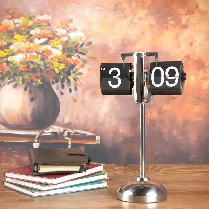 Height-adjustable Retro Flip Clock
